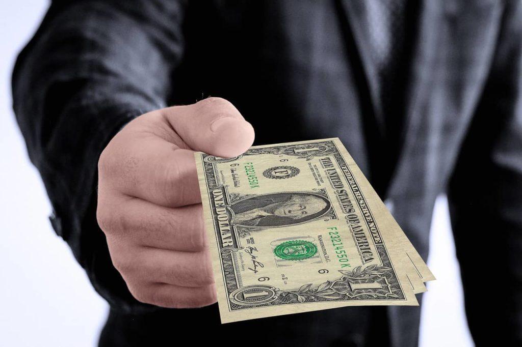 פיצויים בדולרים